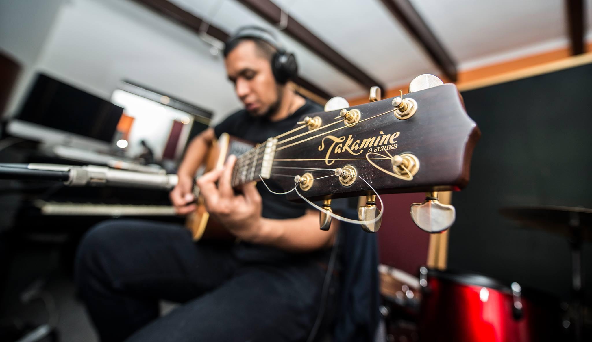 Sesión de Grabación de Guitarras