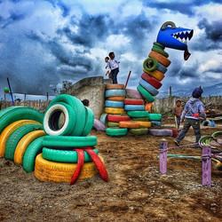 Aj Syá Playground, Patzizía