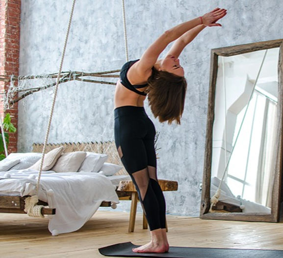 tips-home-practice-yoga-featured%20(1)_e