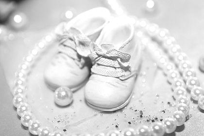 baby-shoes-224999_1920_edited.jpg