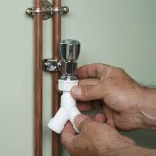 installer-un-robinet-autoperceur