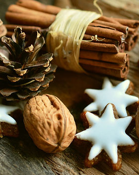 cinnamon-stars-2991174_1920.jpg