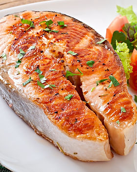 grilled-salmon-with-salad.jpg