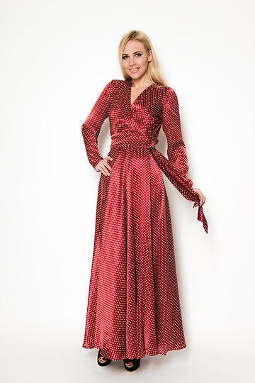 шелковое платье в горошек от российского дизайнера одежды Полины Ефимовой