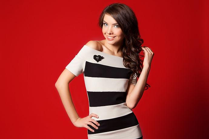 Коктейльное платье в стиле пинап от российского дизайнера Полины Ефимовой