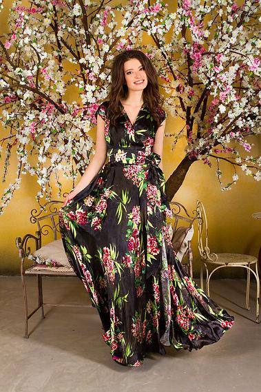 Длинные шелковые платья от российского дизайнера Полины Ефимовой