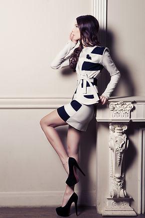 Черно-белый костюм от российского дизайнера одежды Полины Ефимовой