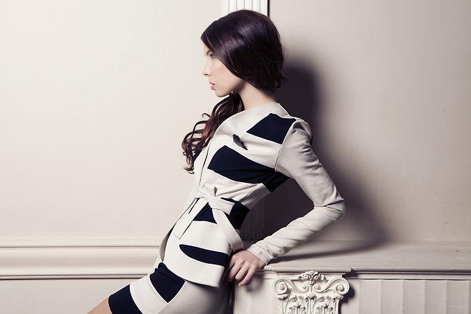 стиль пинап, полосатое платье, платье в полоску, черно белое платье, полосатый пиджак, черно-белый костюм