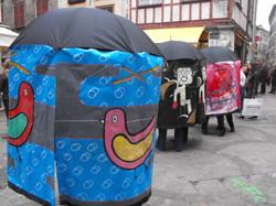 la-famille-parapluie-bayonne-2-fr_