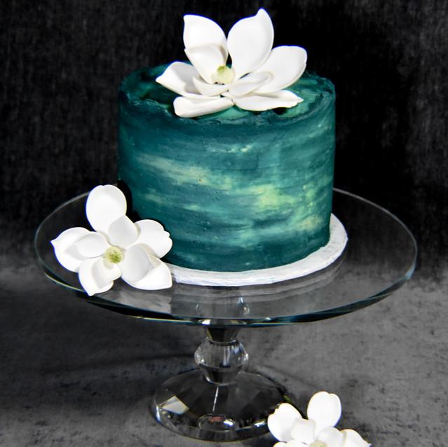 Magnolia Cutting Cake