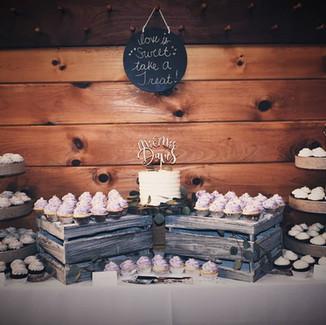 Cupcake and Cutting Cake Display