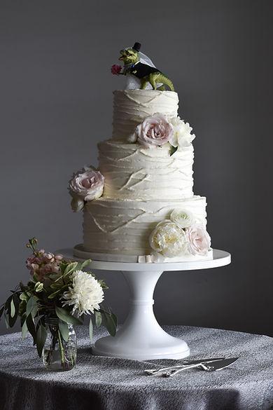 "18"" White Wedding Cake Stand"