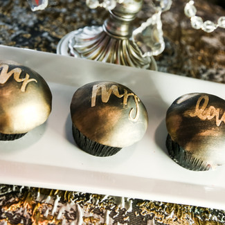 Black and Gold Fondant Cupcakes