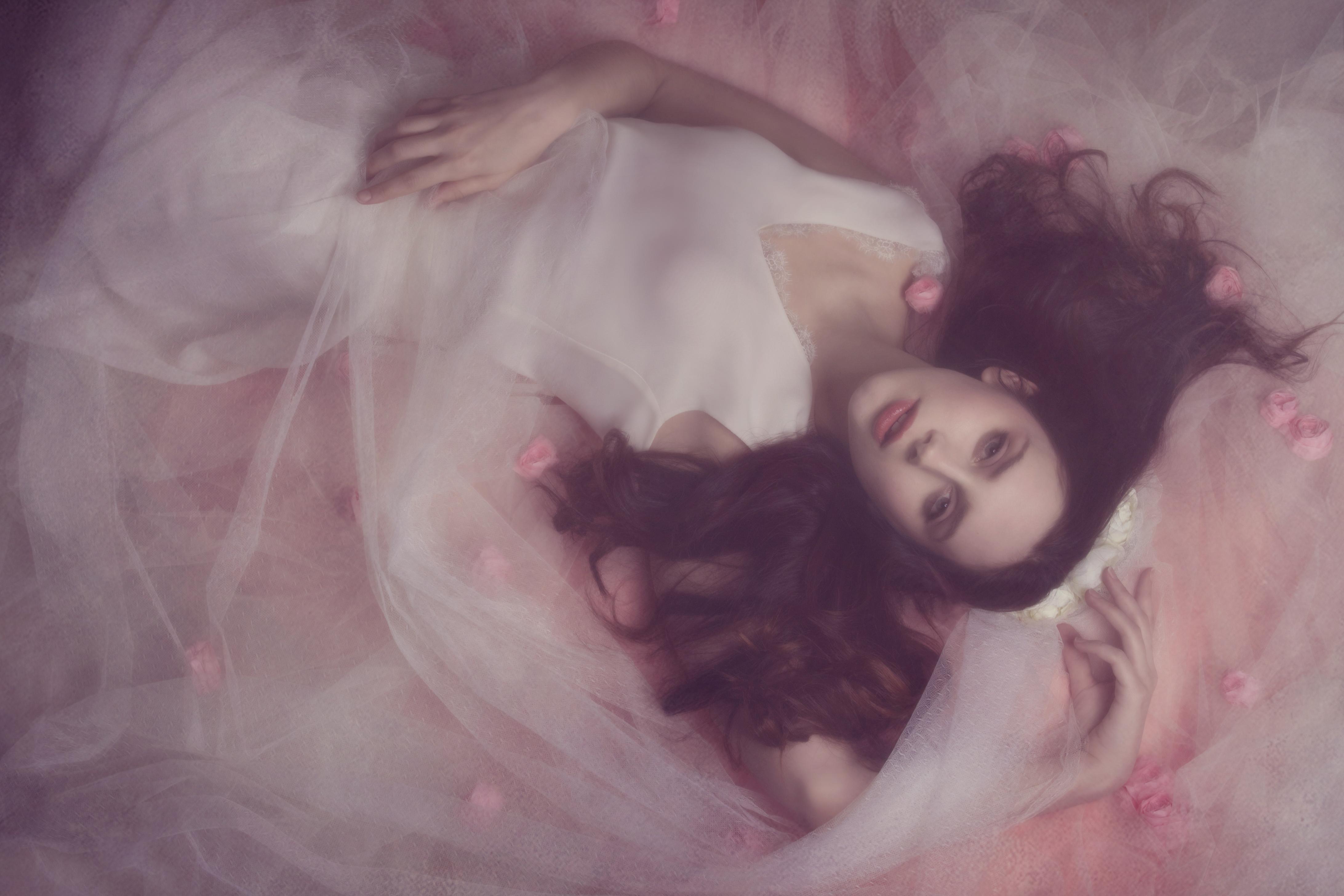 bridal boudoir mode