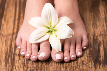 Shellac on toes