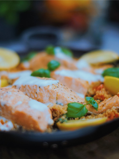One-Pot Quinoa-Lachspfanne