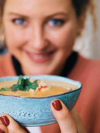 Tom Kha Gai | Thailändische Kokosmilch Suppe mit Hähnchen