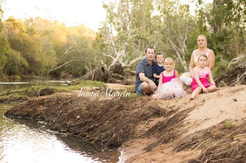 FAMILYSHOOT.jpg