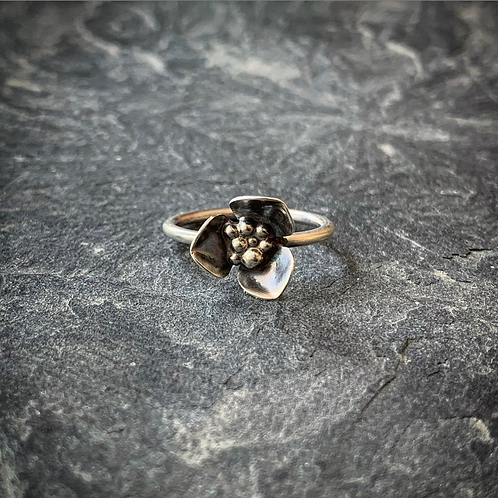 Wildflower Ring, Size 6.5 (Small Petal)