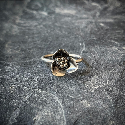 Wildflower Ring, Size 7 (Small Petal)