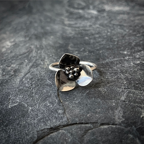 Wildflower Ring, Size 7 (Large Petal)