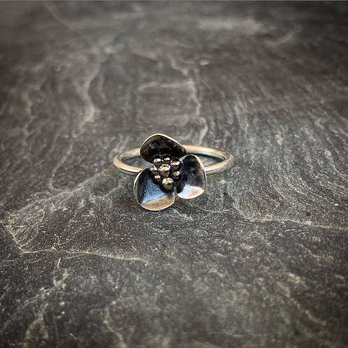 Wildflower Ring, Size 7.5 (Small Petal)