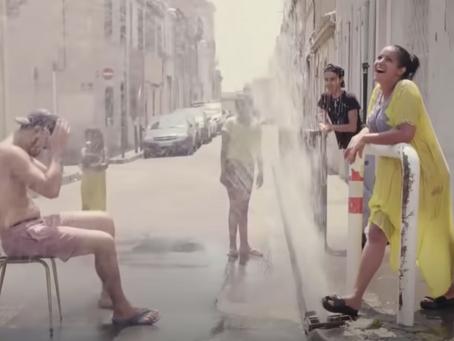 Entre évasion et érosion, un dernier été dans un quartier marseillais
