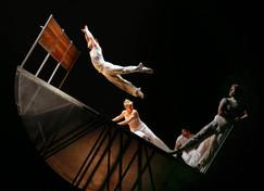 140204-acrobats-dance-1233_ff0b73205aa0e