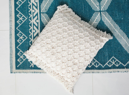 FREE PATTERN: Dawn macramé cushion