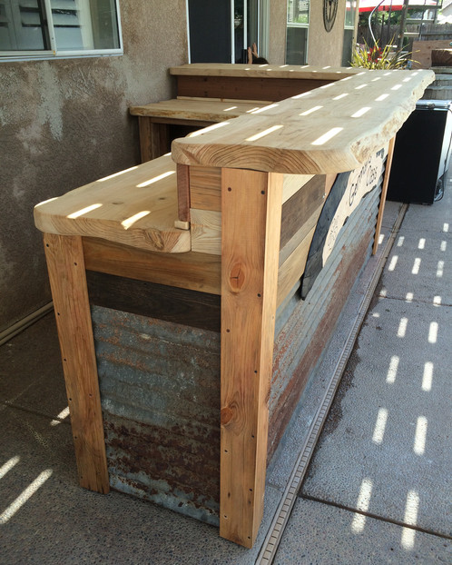 Outdoor Patio Bar | knotthead-sawing