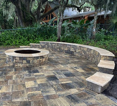 Hyer Quality Hardscape pool deck, coping, pavers, water feature.