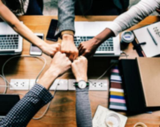 bump-collaboration-colleagues-1068523_ed