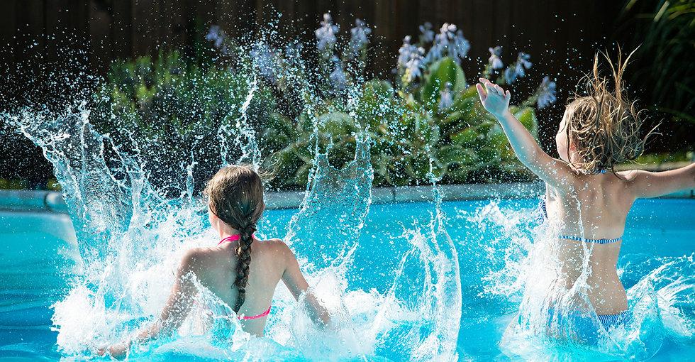 NJF_WEB_Chlorine-Shampoo_Pool-Girls.jpg