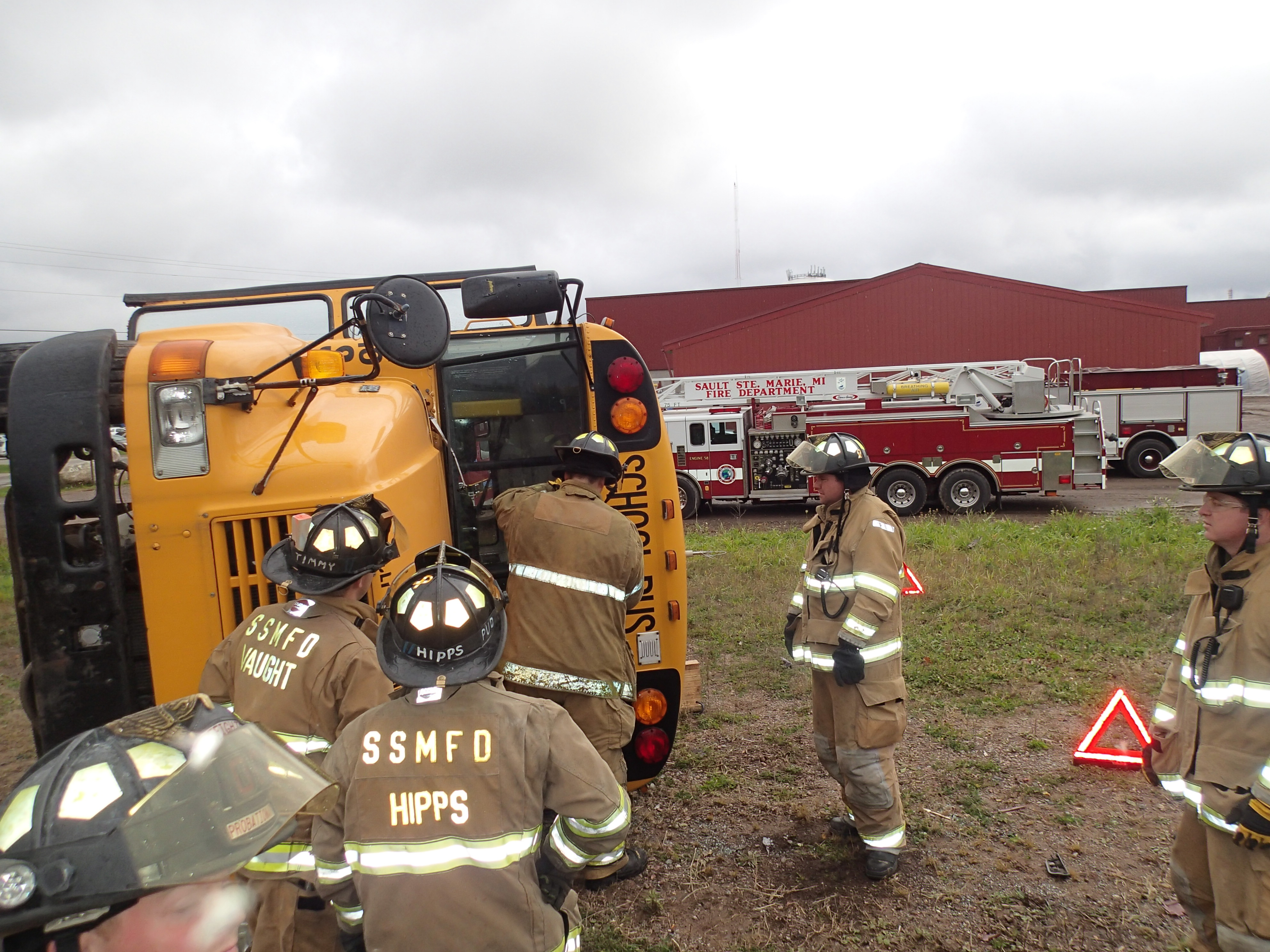 10-16-2013 - Bus Extrication Training 021