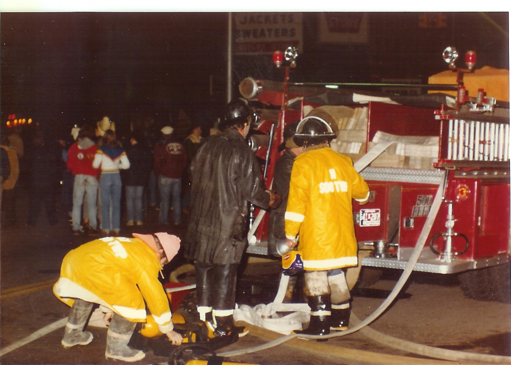 Traverse Bay Woolen Co. Fire 008