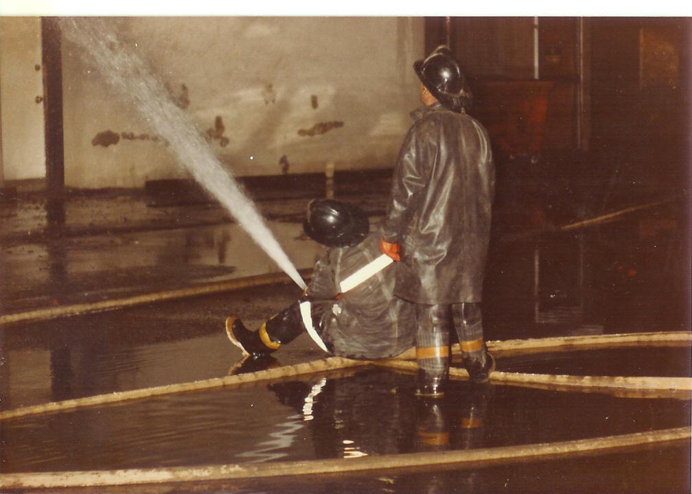 Traverse Bay Woolen Co. Fire 002