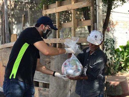 Entrega Bienestar Social apoyos alimentarios y oxímetros a familias necesitadas en Hermosillo