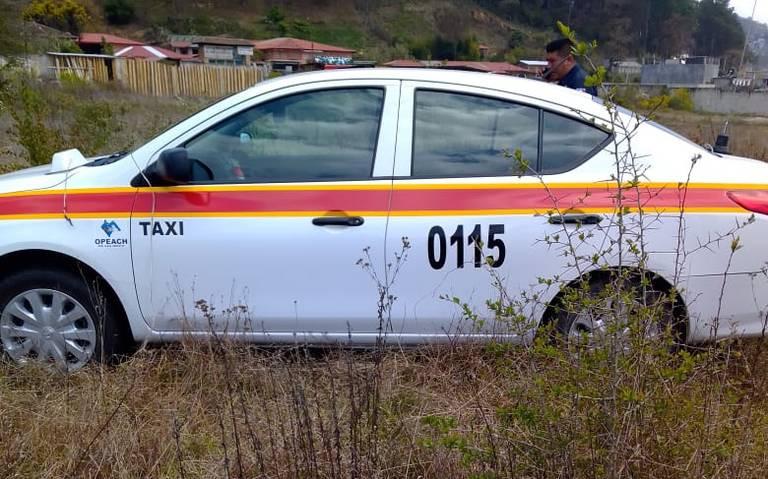 Roban vehículo a taxista en Villas del Real
