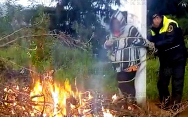 Intentan quemar a mujer por robarse un celular