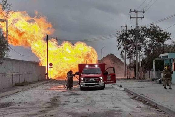 Explota línea de gas en la Jesús García