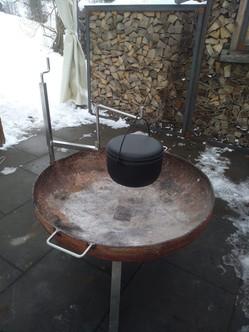 Feuerschale Grill mit Topfhalterung.jpg
