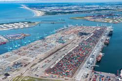 Luchtfoto van APM terminals