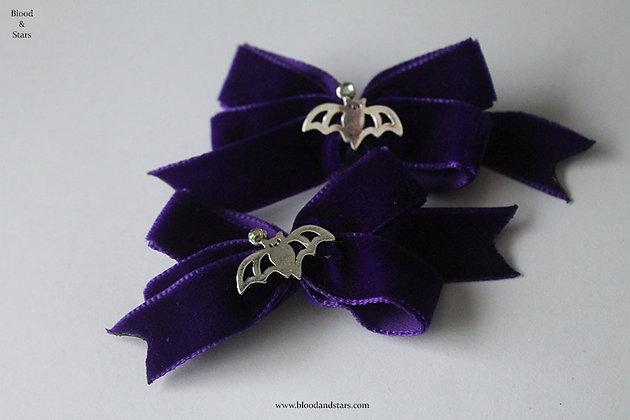 Mini Velvet Bat Bow Hair Clip