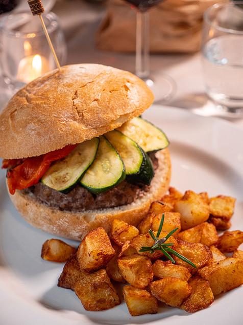 41. hamburger emiliano.jpg