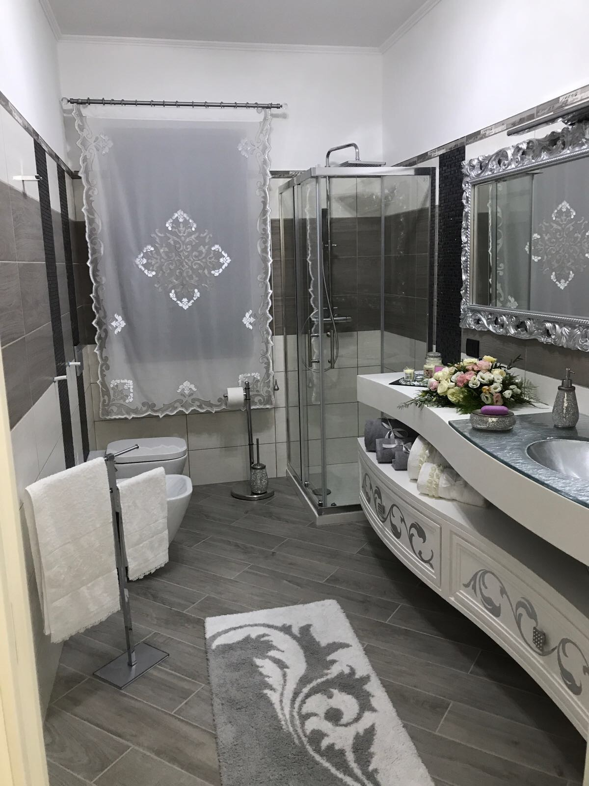 Lilium customized bathroom
