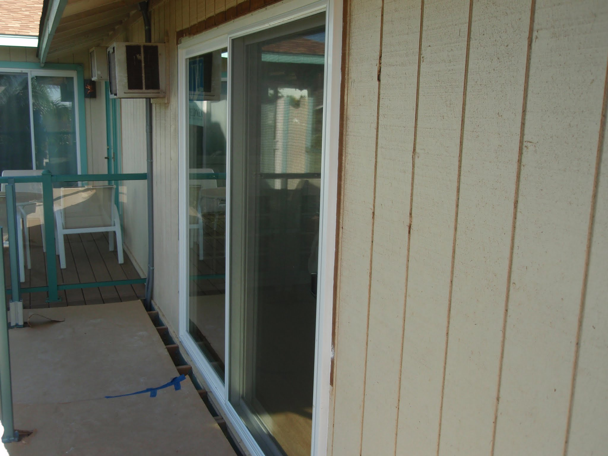This new door akloows in tons of light & also has a great view thru this side of the house