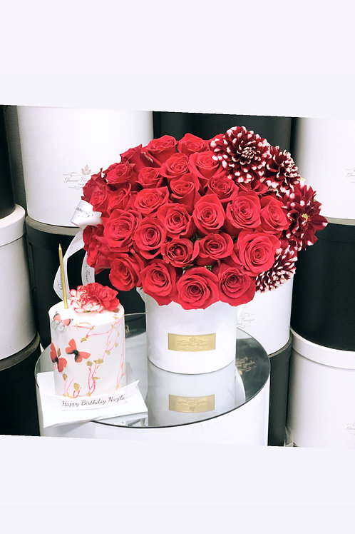Set of Cake and Flowers in Color White and Red