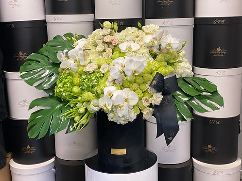 XX Large Arrangement in White and Green Colors