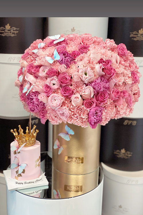 Sets of Princess Cake and Flowers in Gold Box