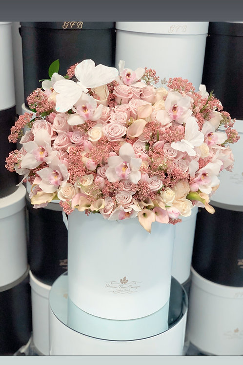 Large Size Mixed Flower Arrangement in Color Light Pink and White